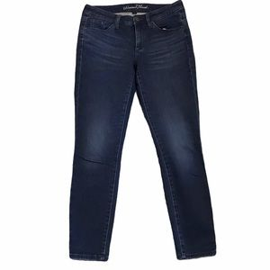 Universal Thread Size 6 Mid-Rise Skinny Jeans